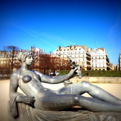 """""""Monument à Cezanne"""", by French artist Aristide Maillol. Don't ask me why her breasts seem to polished ?.."""