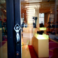 Another shop in the famous Rue St Honoré, the poshest area of Paris. Like the door knob?