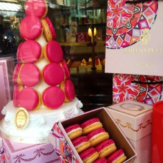 Pink or blue Pucci box, same mouthwatering experience